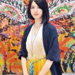 小松美羽が使用する絵具と愛用している作業着を紹介!
